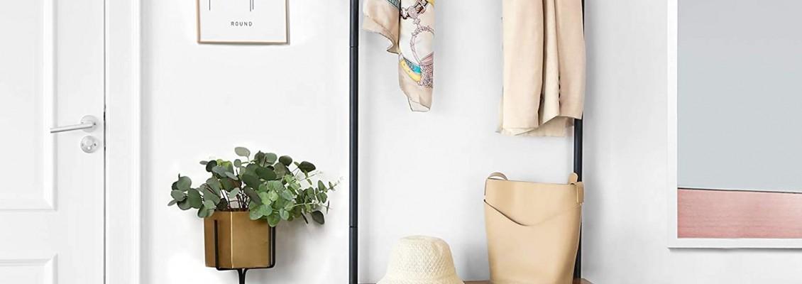 Κρεμάστρες δαπέδου, μοντέρνες, διαχρονικές, κομψές και πρακτικές που θα ταιριάξουν απόλυτα στο χώρο σας και θα διευκολύνουν την καθημερινότητά σας!
